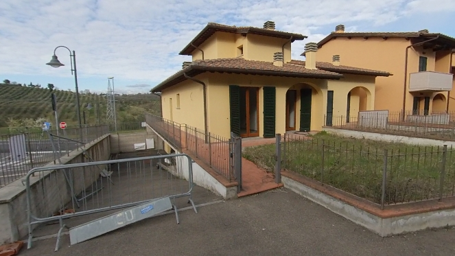 Chianti versante Valdarno-BROLLO Villetta