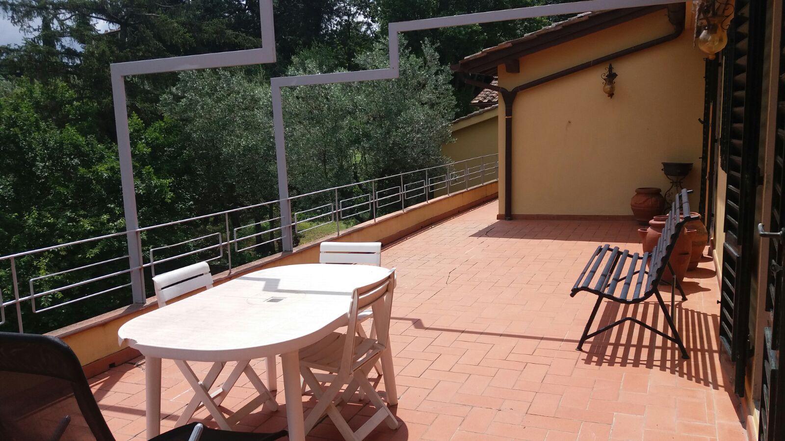 Fiesole Attico In Villa Con Terrazzo Abitabile E Parcheggio