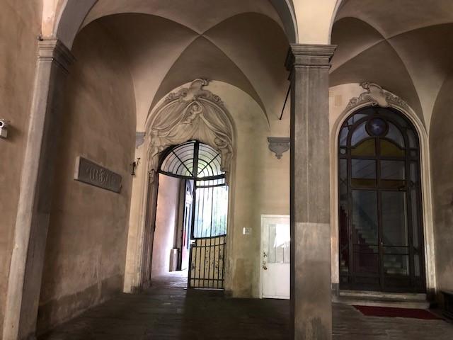 Centro storico Borgo degli Albizi ufficio/abitazione mq.  145 ca. in palazzo del '400