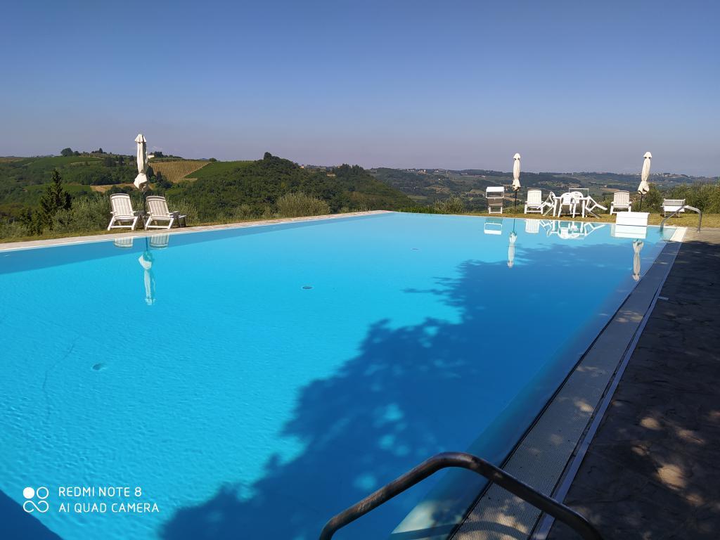 Il Perseto Nel Pozzo – terratetto con giardino in piccolo borgo storico – piscina