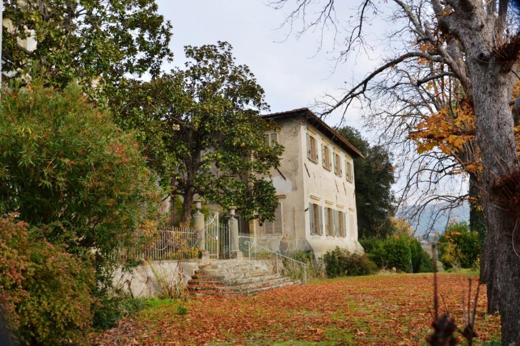 pendici Settignano appartamento in villa con giardino